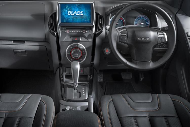 Isuzu D-MAX Pick Up Double Cab 4wd 1.9 TD 4WD 164PS DL20 Pickup Double Cab Auto [Start Stop] inside view